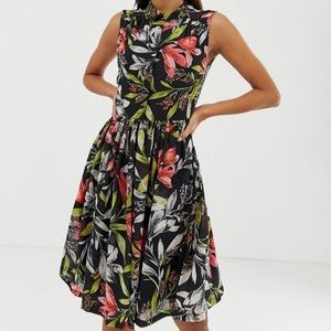 NWT French Connection Cadencia Dress 8